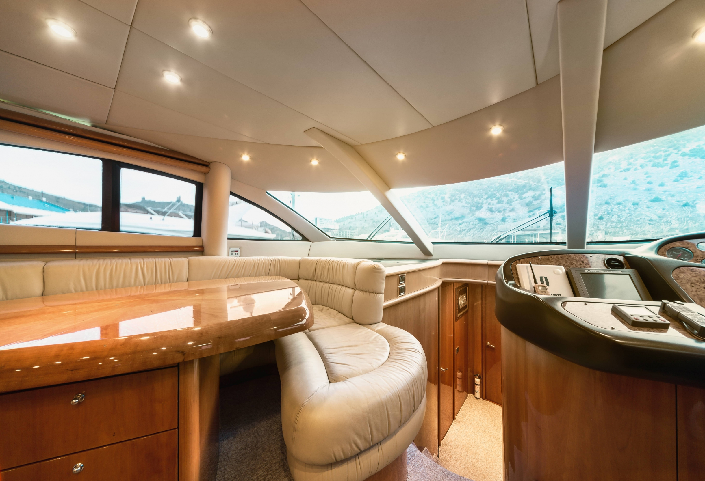 Sunseeker Manhattan 74 | Интерьер 10