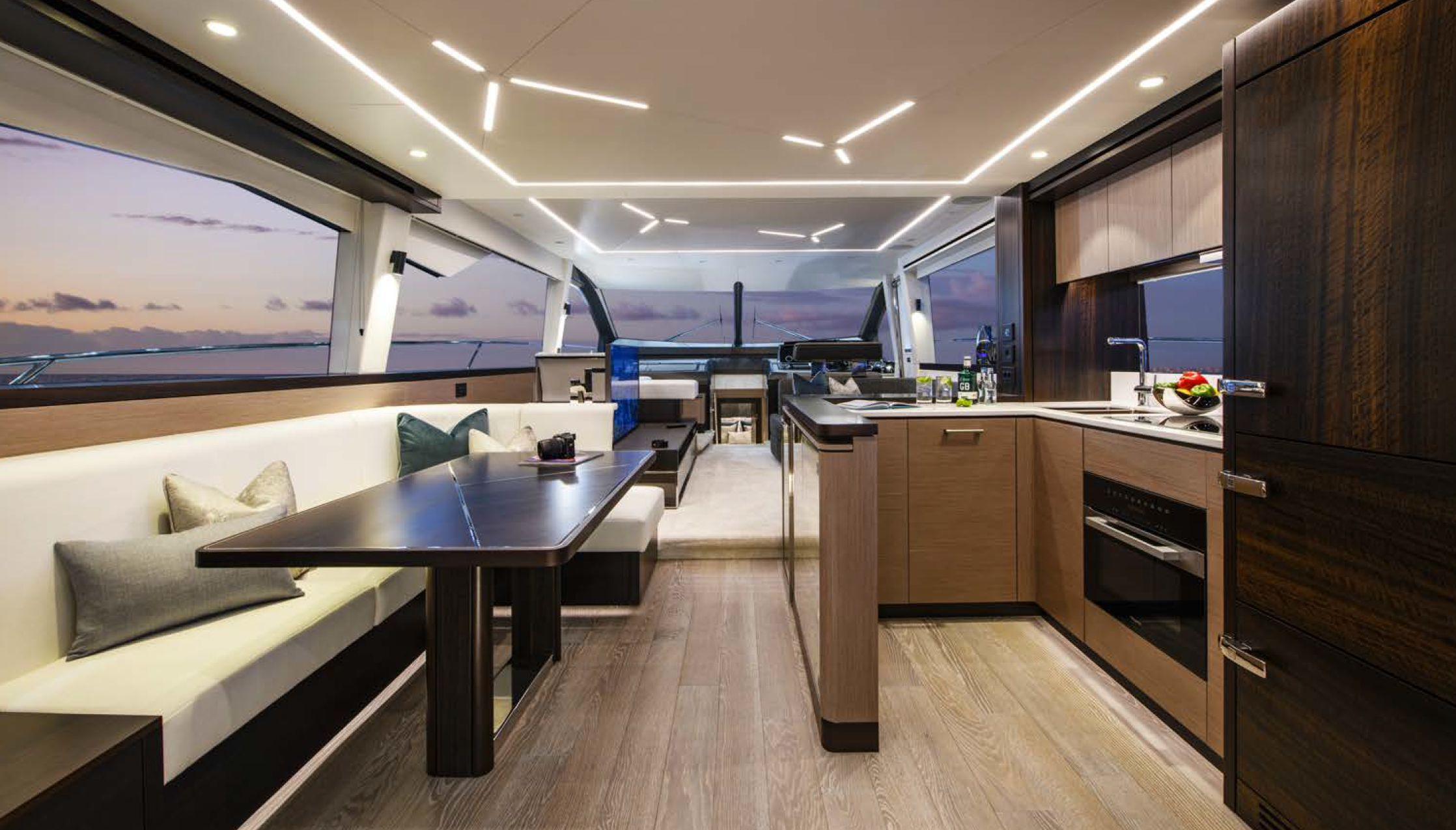 Sunseeker Manhattan 68 | Интерьер 0