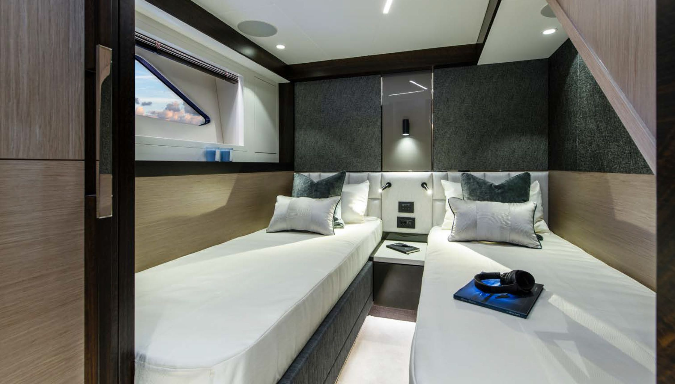 Sunseeker Manhattan 68 | Интерьер 6