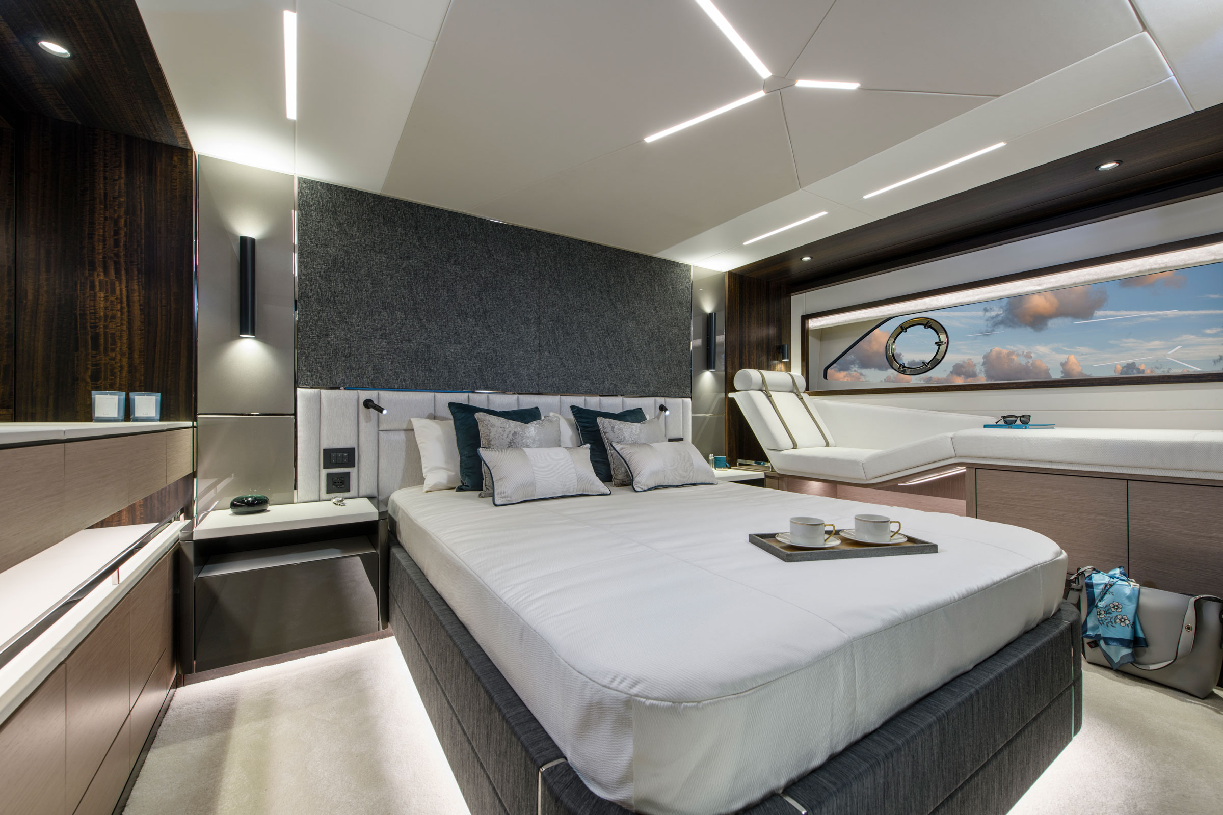 Sunseeker Manhattan 68 | Интерьер 3