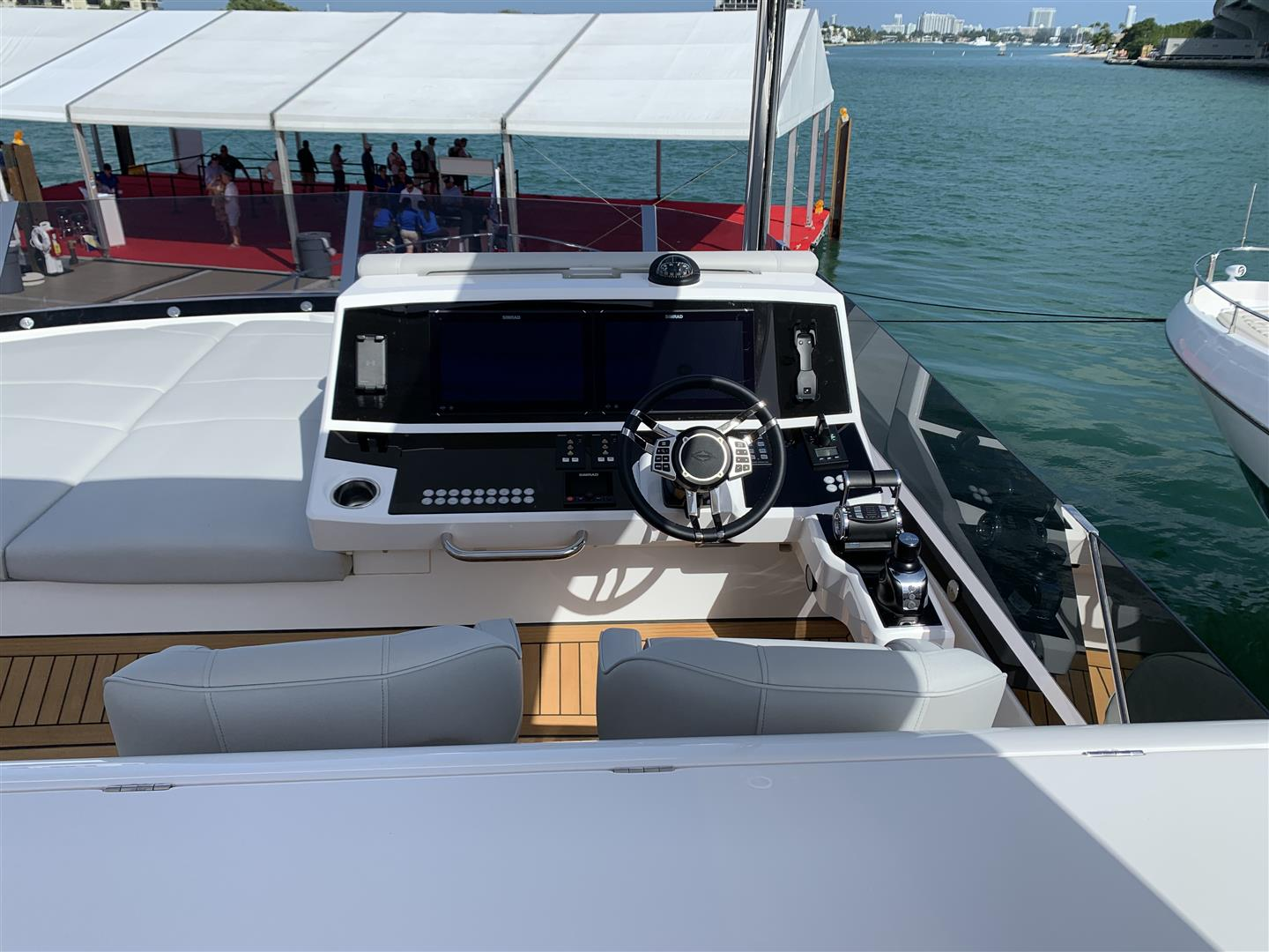Sunseeker Manhattan 68 | Экстрьер 7