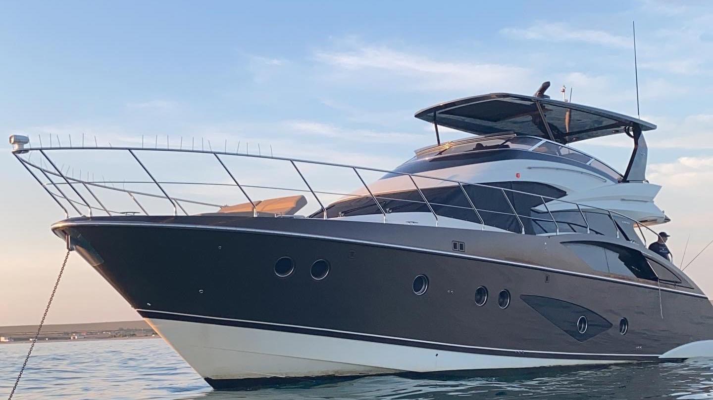 Marquis 630 Sport Yacht | Экстрьер 1
