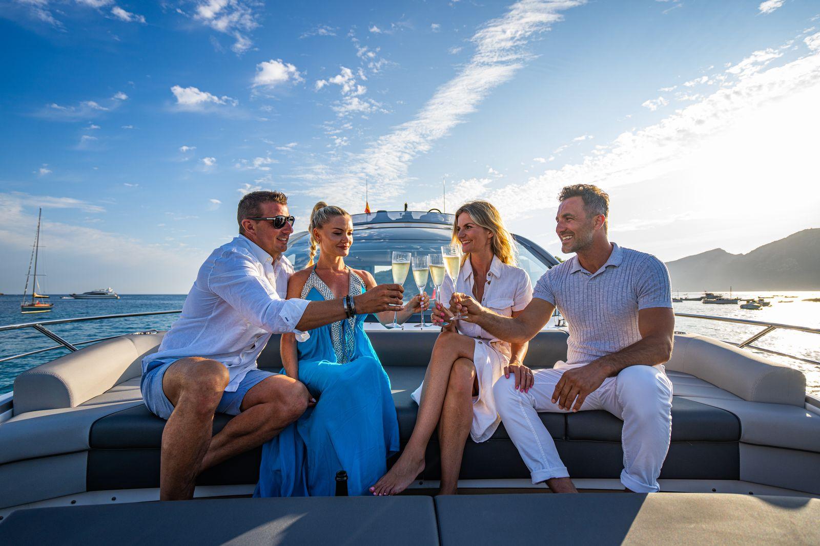 Sunseeker 65 Sport Yacht | Экстрьер 11