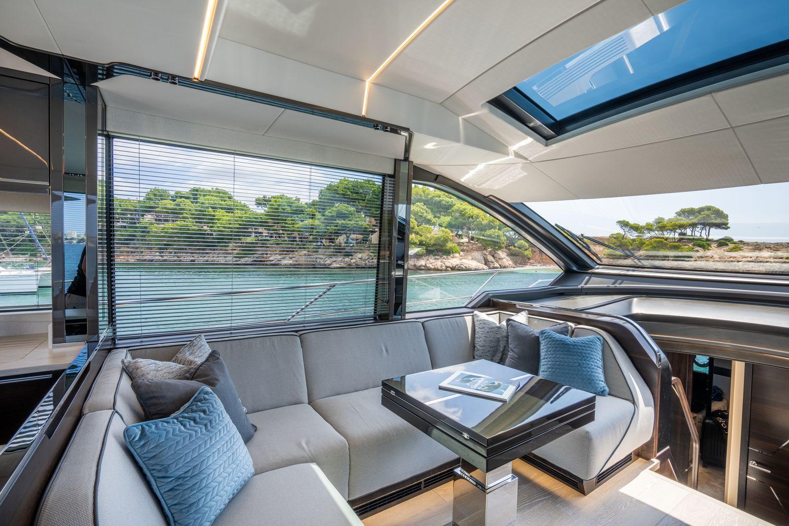 Sunseeker 65 Sport Yacht | Интерьер 2
