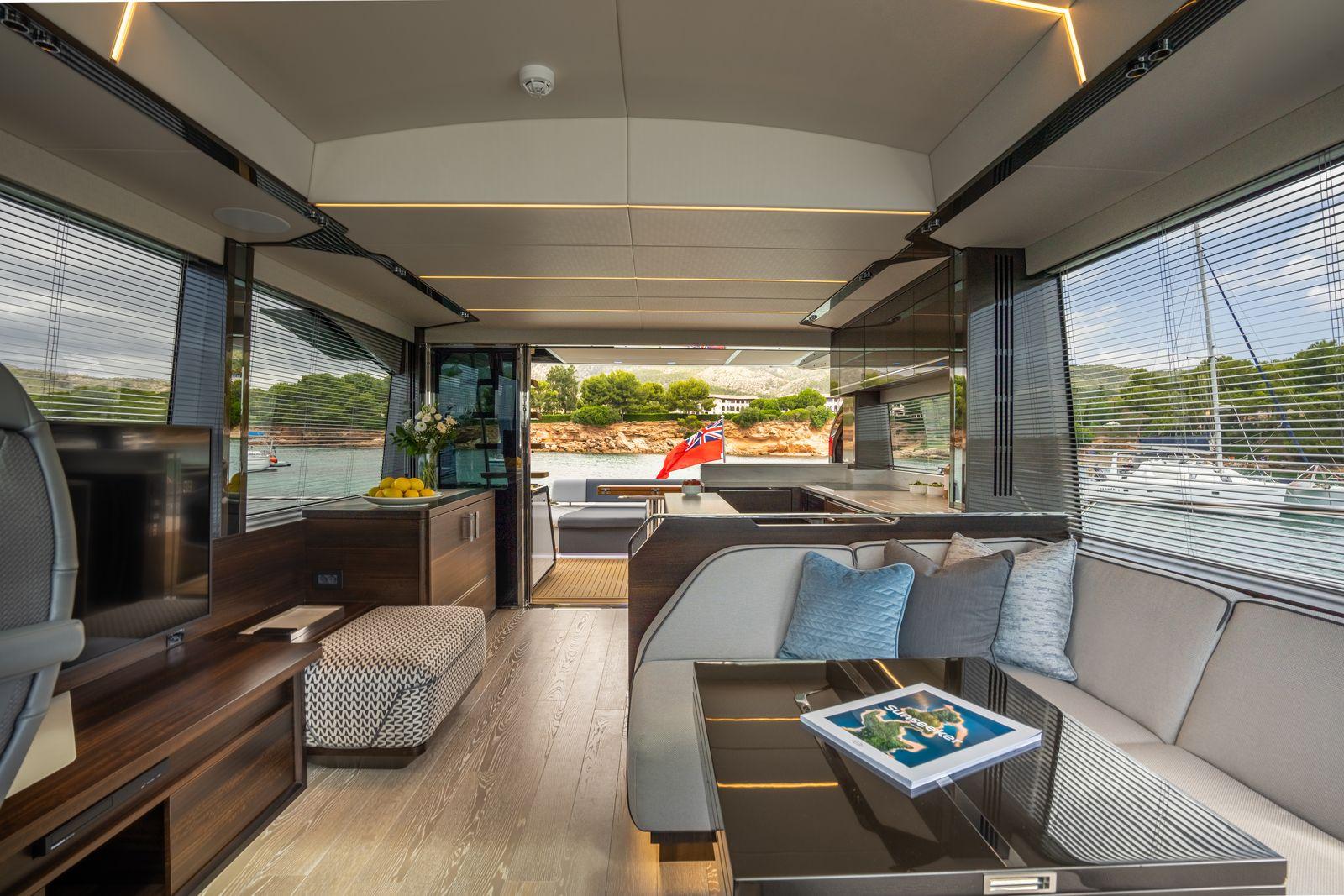 Sunseeker 65 Sport Yacht | Интерьер 5