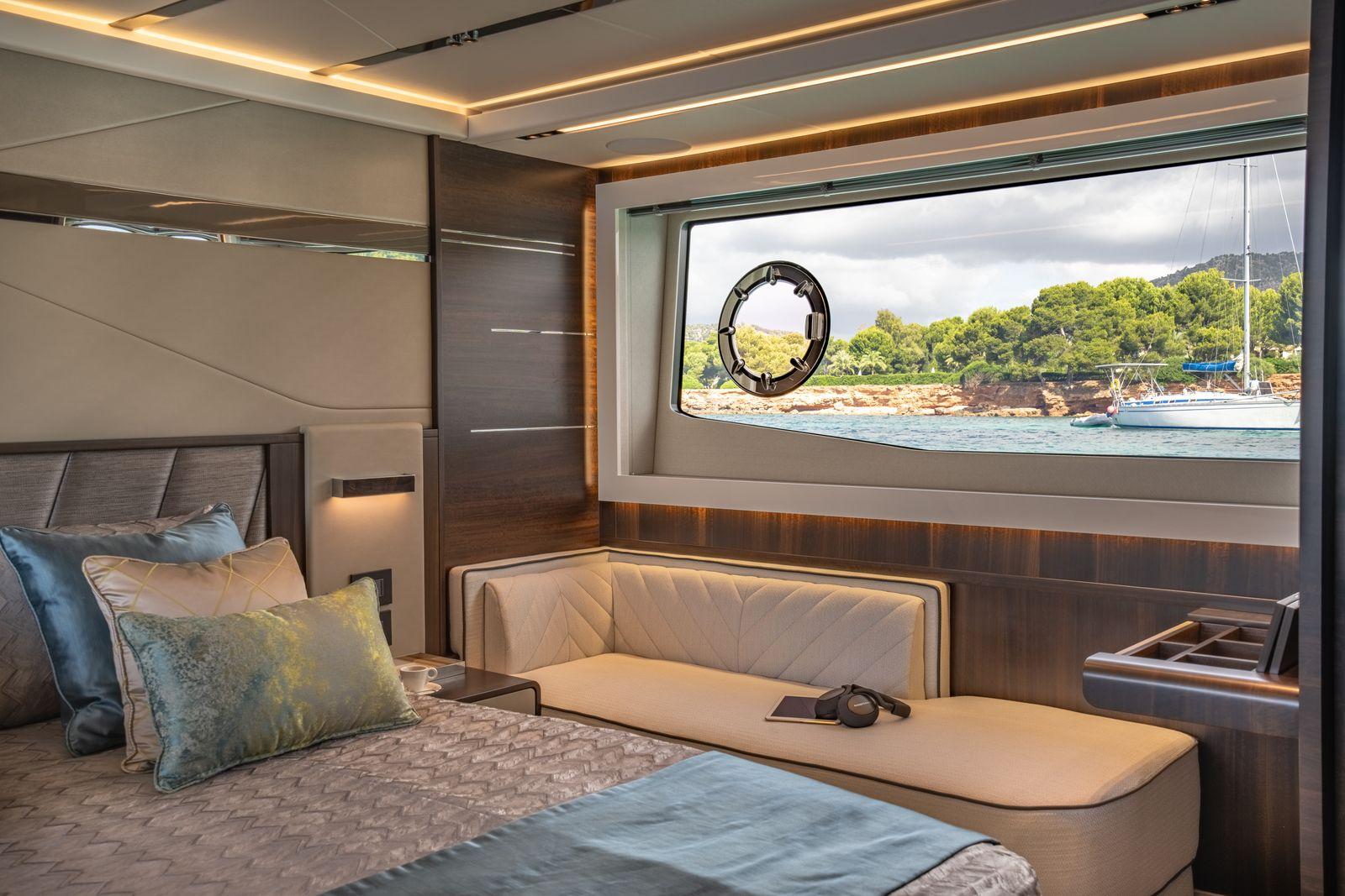 Sunseeker 65 Sport Yacht | Интерьер 15