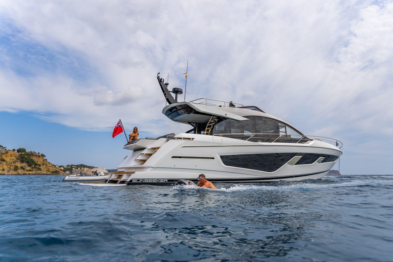 Sunseeker 65 Sport Yacht | Экстрьер 1