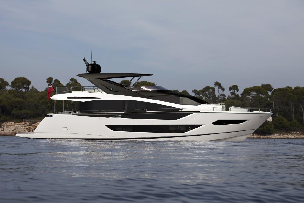 Sunseeker 88 Yacht | Экстрьер 3