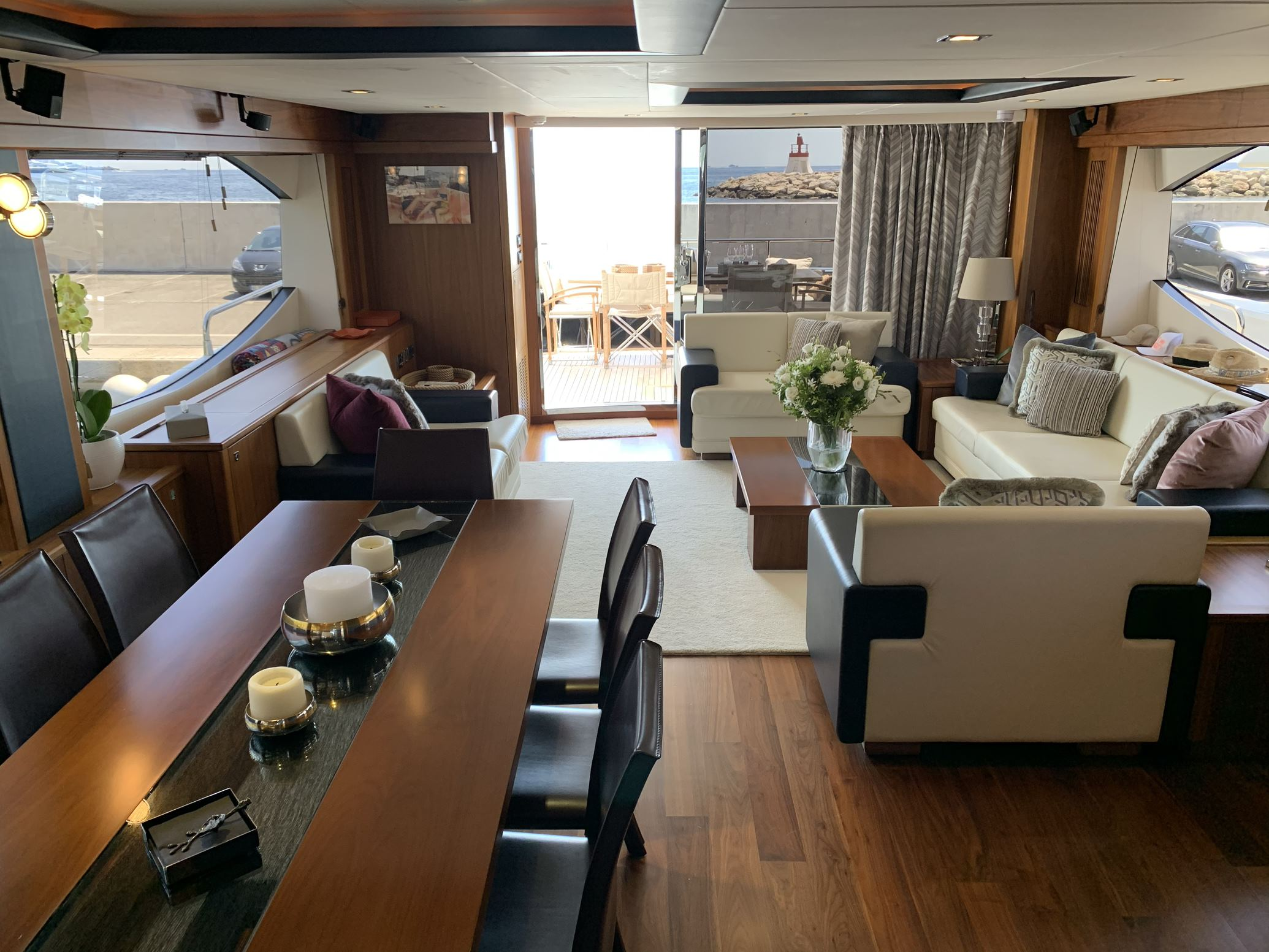 Sunseeker 88 Yacht (011) | Интерьер 7