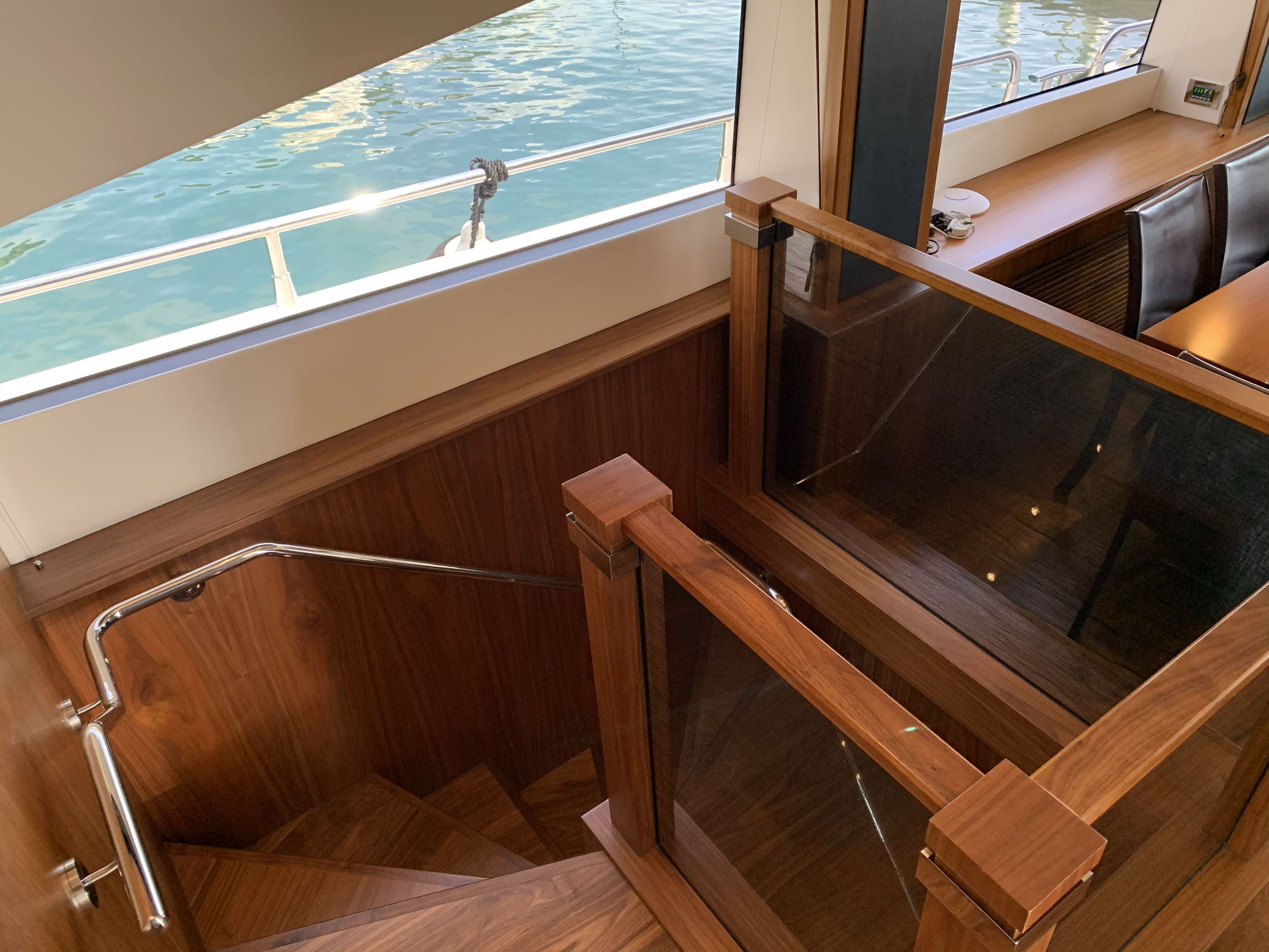 Sunseeker 88 Yacht (011) | Интерьер 11