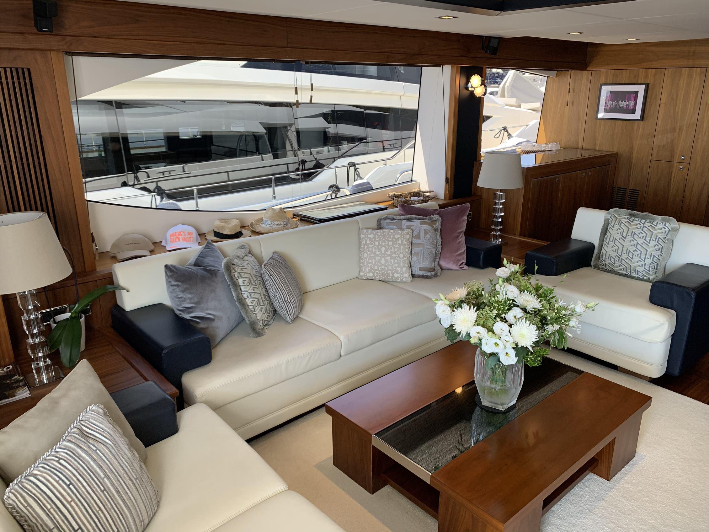 Sunseeker 88 Yacht (011) | Интерьер 2