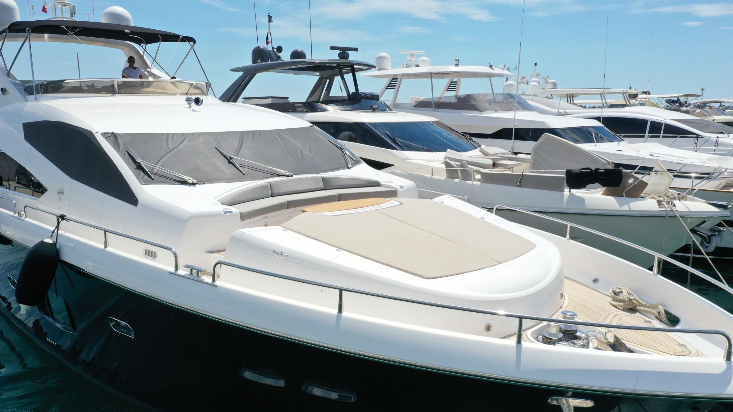 Sunseeker 88 Yacht (011) | Экстрьер 2