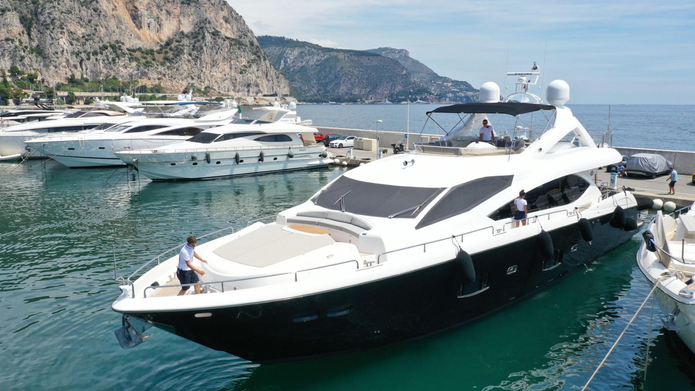 Sunseeker 88 Yacht (011) | Экстрьер 3