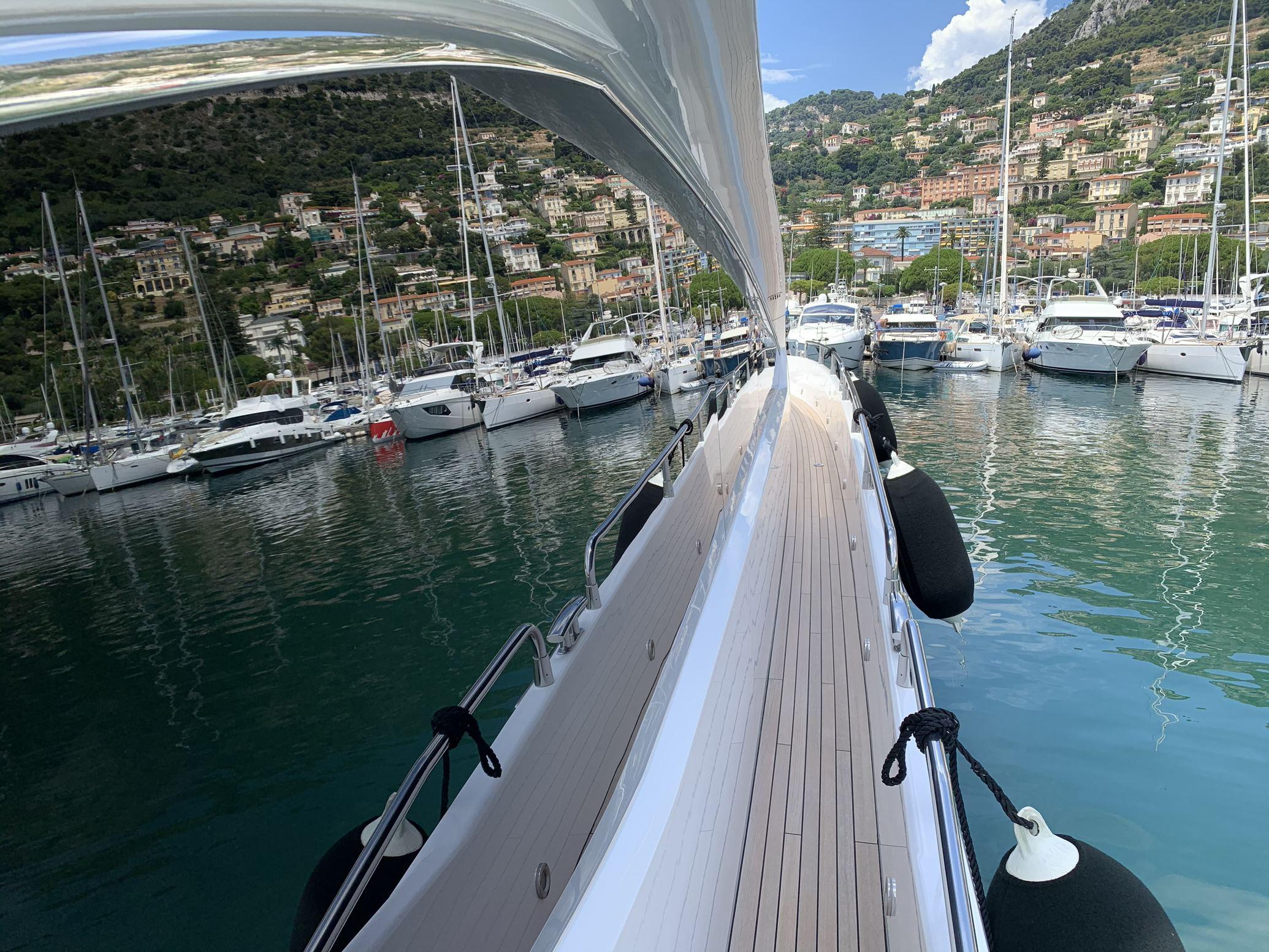 Sunseeker 88 Yacht (011) | Интерьер 18