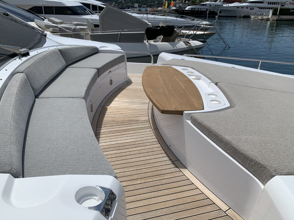 Sunseeker 88 Yacht (011) | Интерьер 19