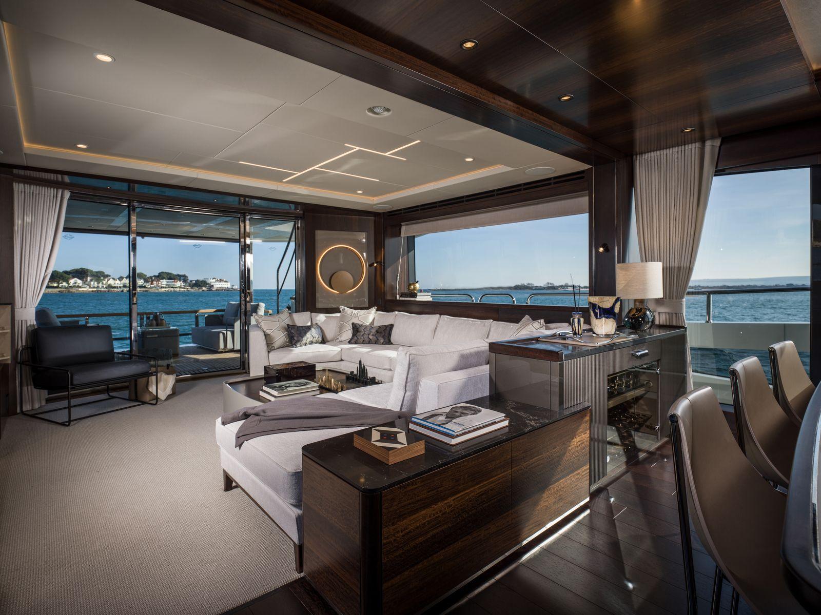Sunseeker 88 Yacht | Интерьер 1