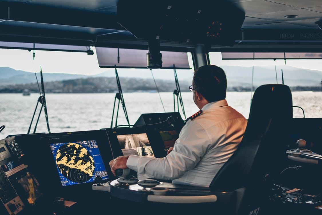 Зачем нужен капитан на яхте - фото 1