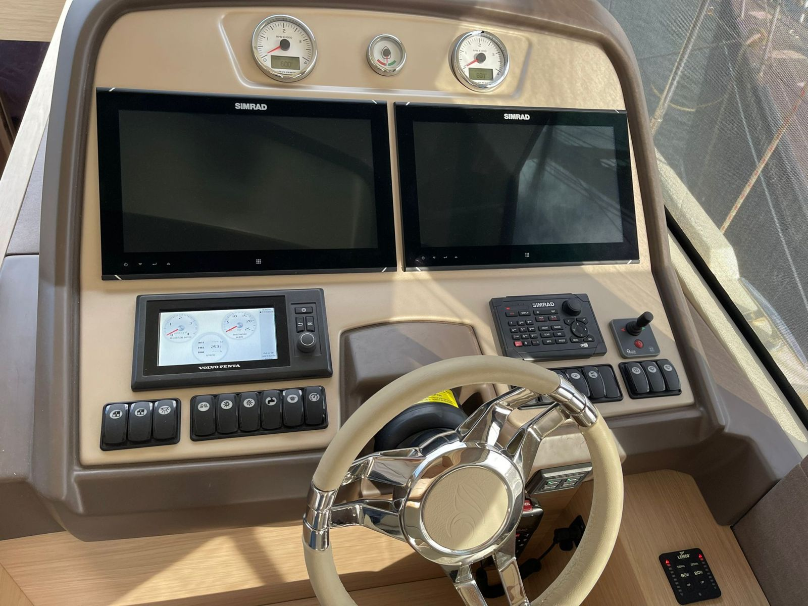 Beneteau Monte Carlo 5 | Экстрьер 0